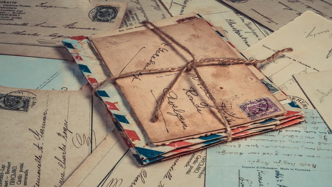 Una postal enviada por un soldado británico en la II Guerra Mundial es entregada a su familia más de 77 años después (FOTOS)