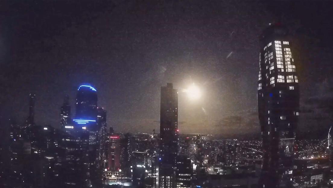 VIDEOS: Una bola de fuego ilumina el cielo de Australia la noche de San Valentín