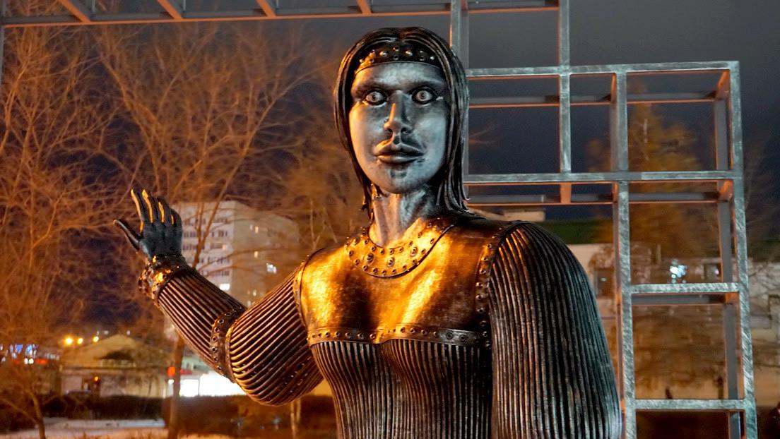 Venden por 35.500 dólares una estatua de una ciudad rusa que aterrorizó a los residentes locales