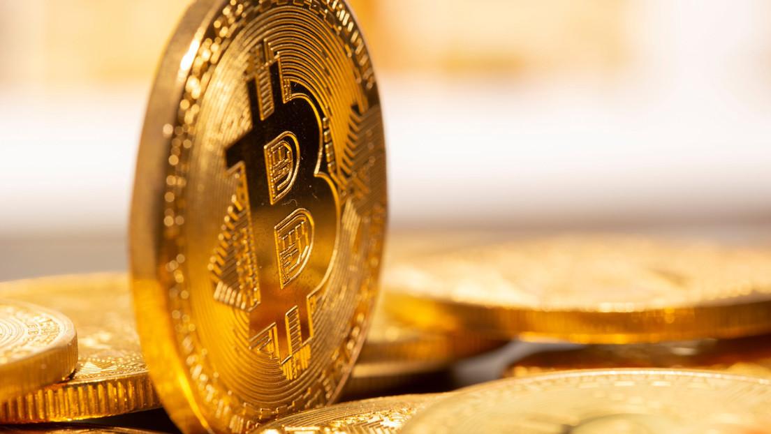 Ce trebuie să câștigi Bitcoins. Moon Bitcoin Service. Pluses de minerit pe propriul computer