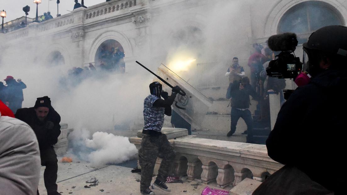 Un legislador demócrata demanda a Trump tras acusarlo de conspiración para incitar los disturbios en el Capitolio de EE.UU.