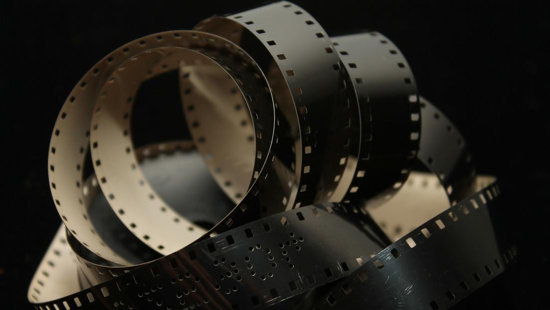 Un 'youtuber' desentraña los secretos de una cámara soviética de 16 mm