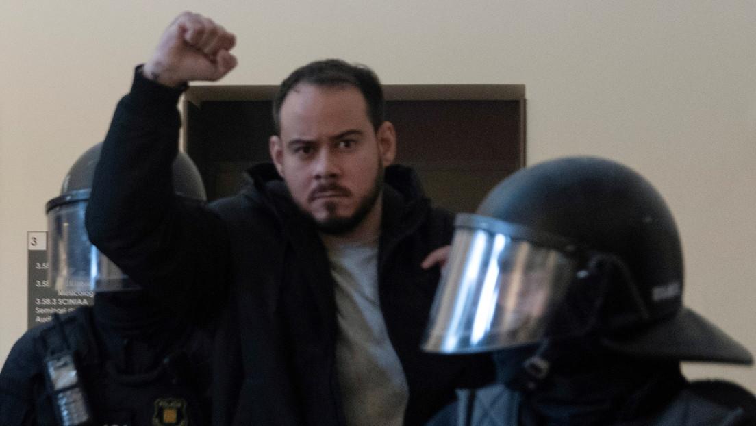Choques entre Policía y manifestantes en varias protestas de apoyo al rapero español Pablo Hasél