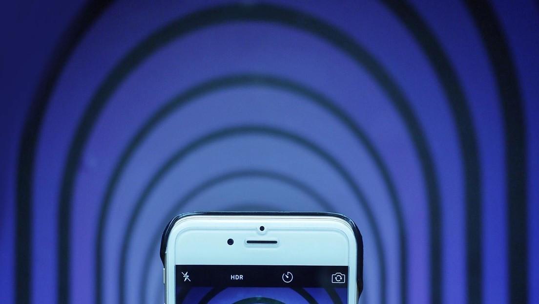 ¿Cuántas manos hay en esta foto?: una ilusión óptica confunde a los usuarios