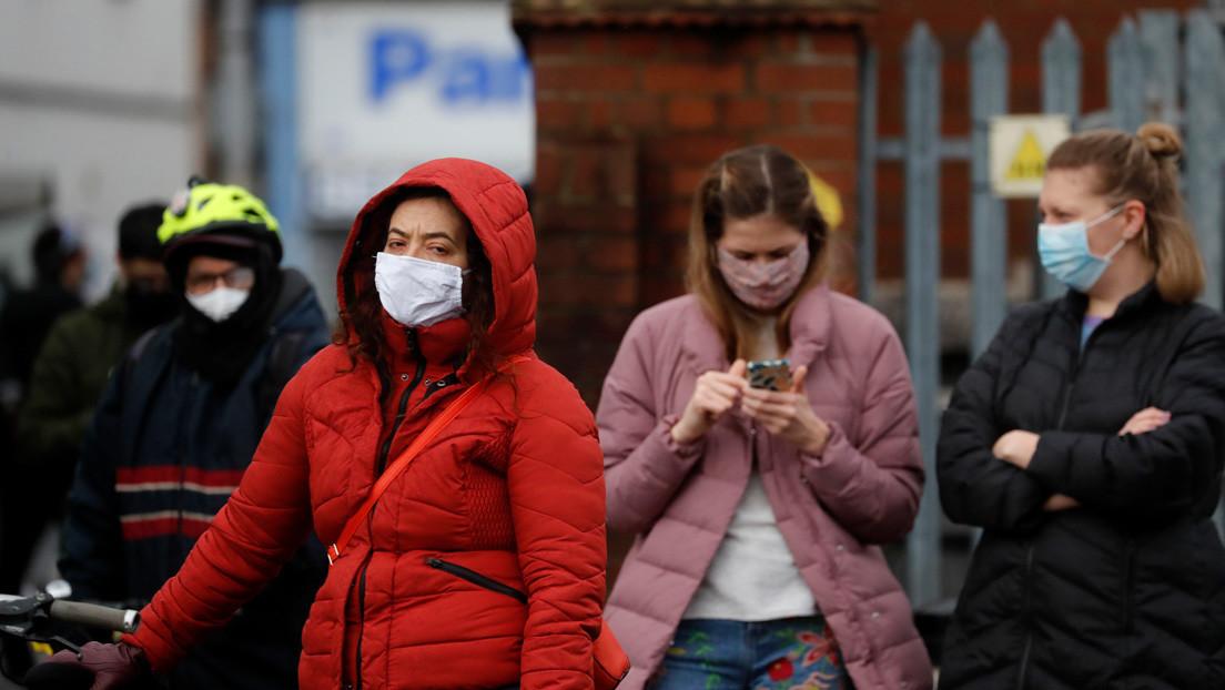 Reino Unido da luz verde para exponer a personas sanas al covid-19 durante el estudio de fármacos