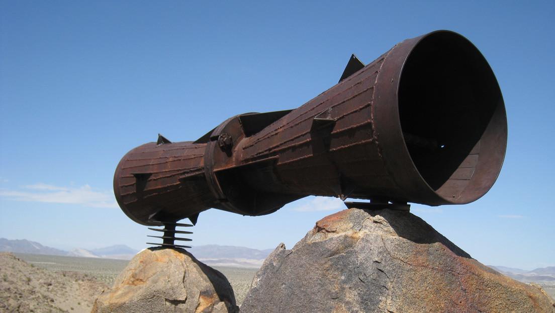 En medio del desierto de Mojave hay un gigantesco 'megáfono' metálico y nadie sabe por qué