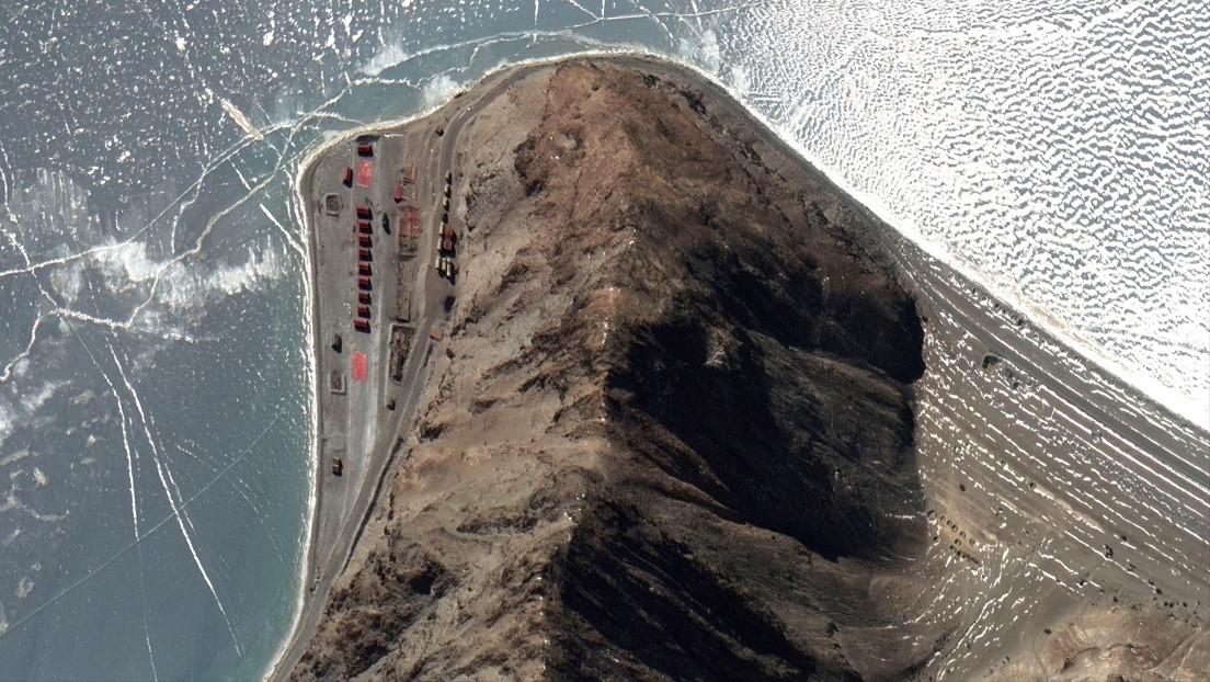 Imágenes de satélite revelan la retirada de objetos militares chinos de la zona de tensión en la frontera con India