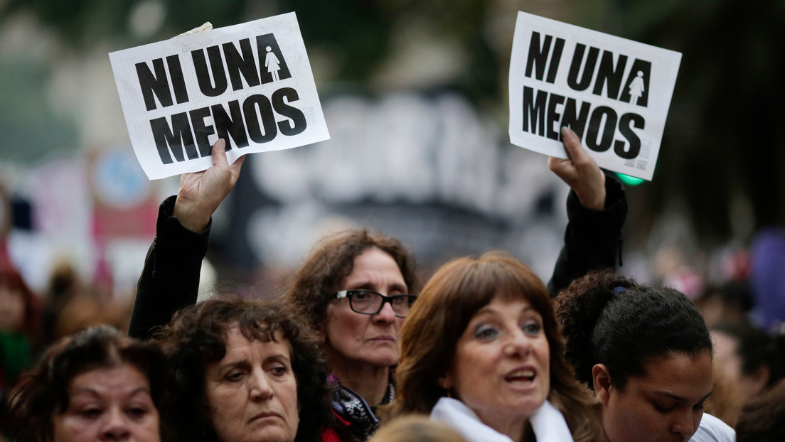 Un hombre asesina a su expareja y a su excuñada frente a cuatro niños en Argentina