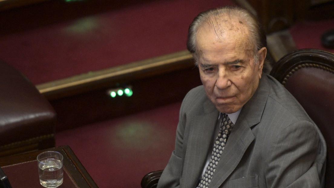 """""""Todos son sospechosos"""": la Justicia de Argentina investiga el robo de un anillo perteneciente al fallecido expresidente Carlos Menem"""