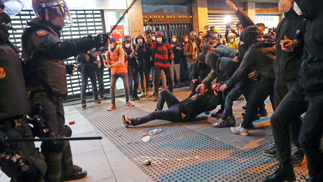 """La presidenta de Madrid se refiere a las protestas por la detención de Pablo Hasél como """"una fiesta de niñatos"""" en favor de un """"delincuente"""" (VIDEO)"""