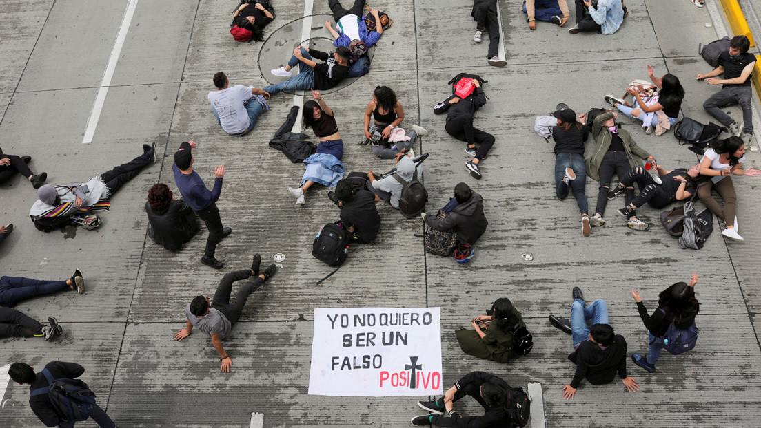"""La Justicia para la Paz de Colombia eleva a 6.402 las víctimas de """"falsos positivos"""" durante los primeros seis años de Uribe"""