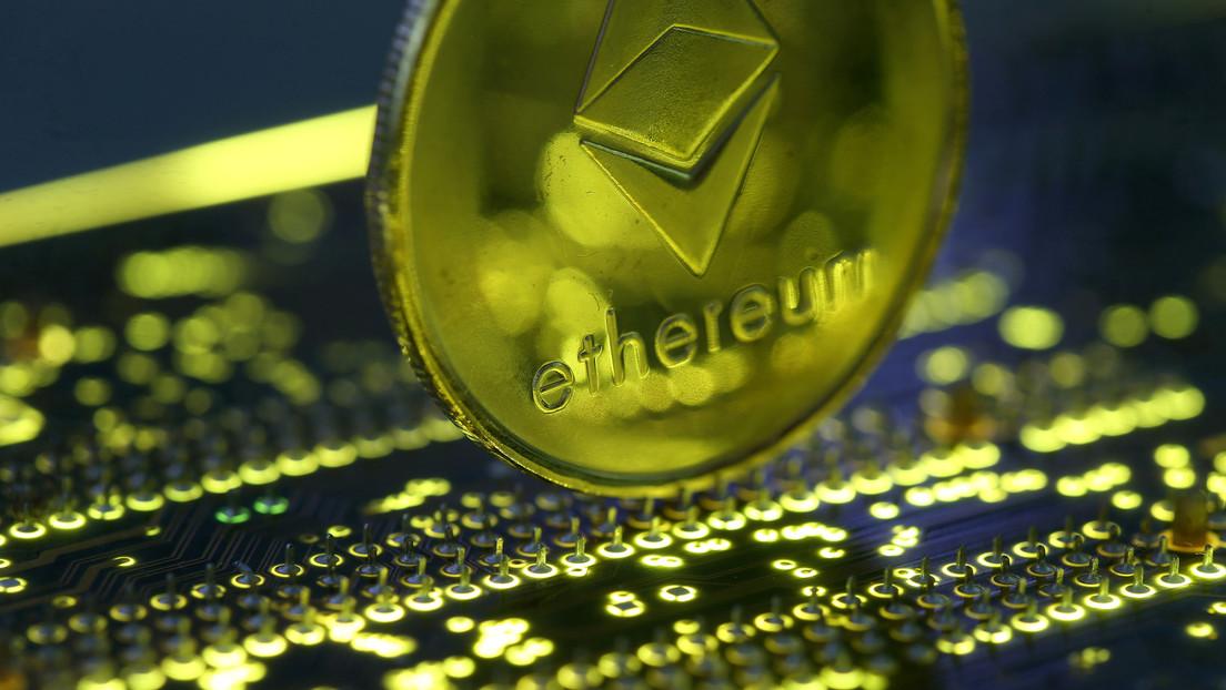 La criptomoneda ethereum logra un máximo histórico tras superar los 1.900 dólares
