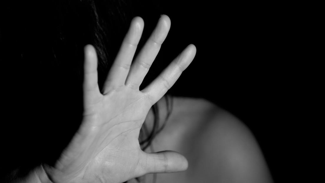 Un adolescente ataca a puñaladas a una pareja de mujeres jóvenes en Chile y una de ellas muere
