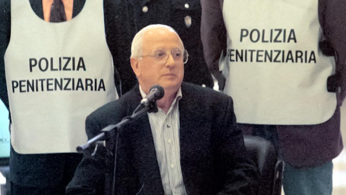 Muere Raffaele Cutolo, el legendario capo de la mafia napolitana que fundó la Nueva Camorra