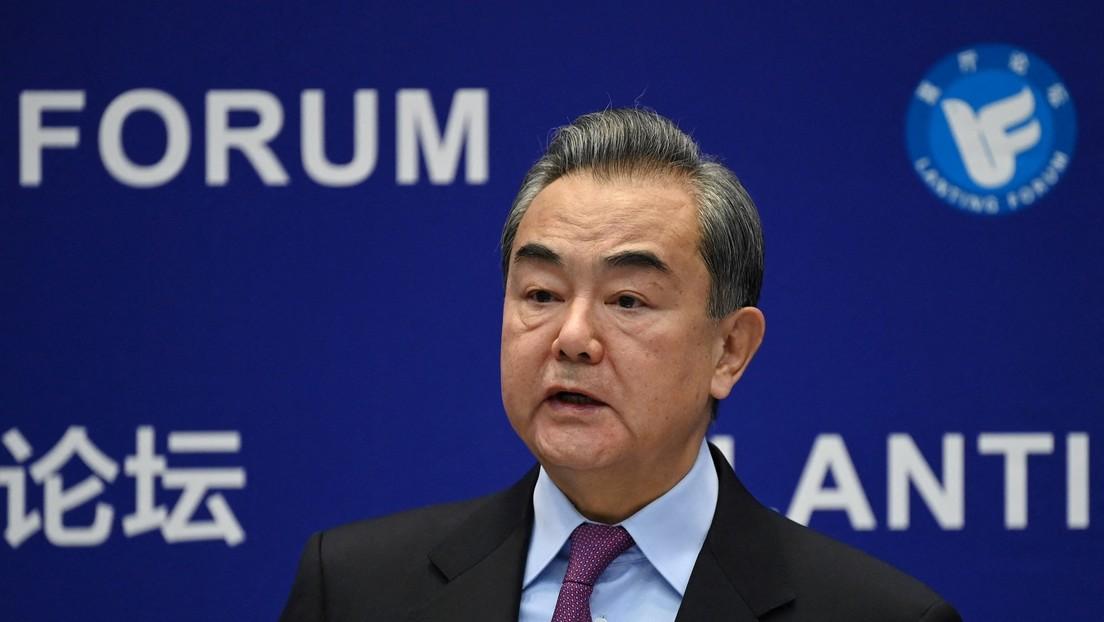 Canciller de China dice qué debe hacer EE.UU. para restaurar las relaciones entre ambos países