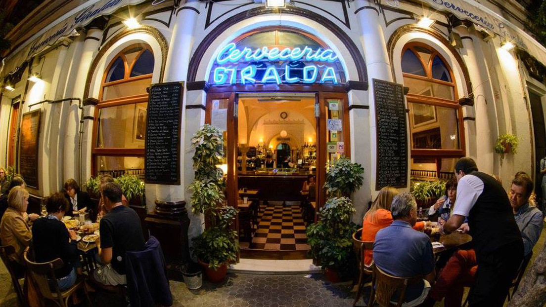 Una reforma en un bar de Sevilla saca a la luz unos baños árabes del siglo XII