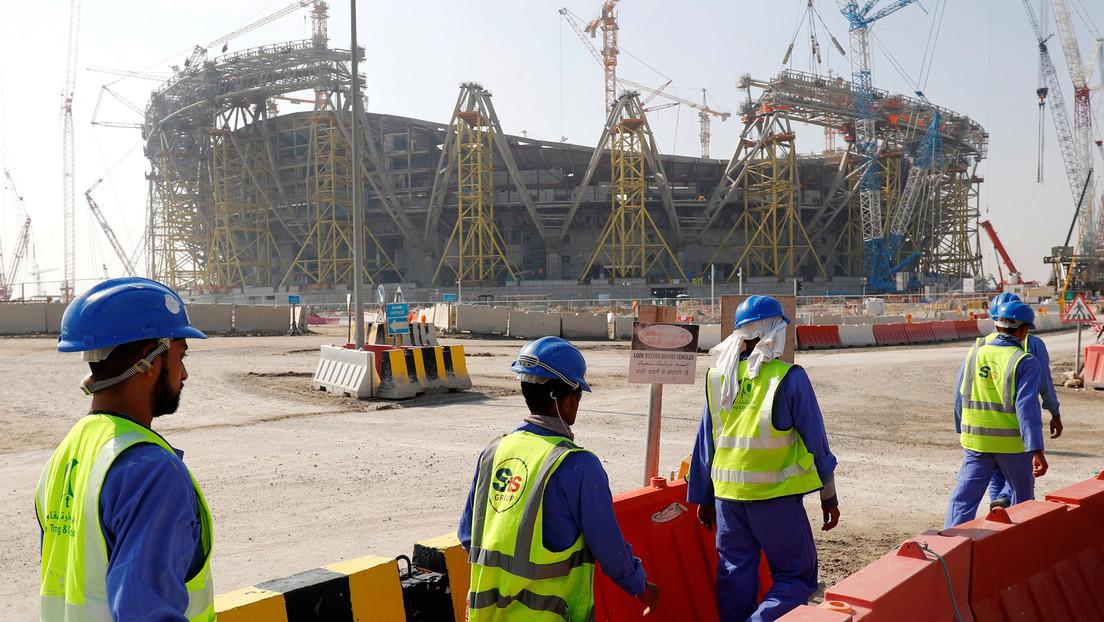 Más de 6.700 trabajadores inmigrantes murieron en Catar desde el comienzo de las obras para el Mundial