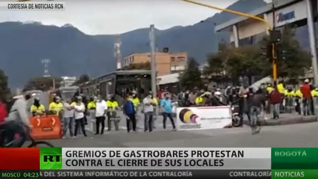 Gremios de gastrobares protestan en Bogotá contra el cierre de sus locales tras intensificarse las restricciones por la pandemia