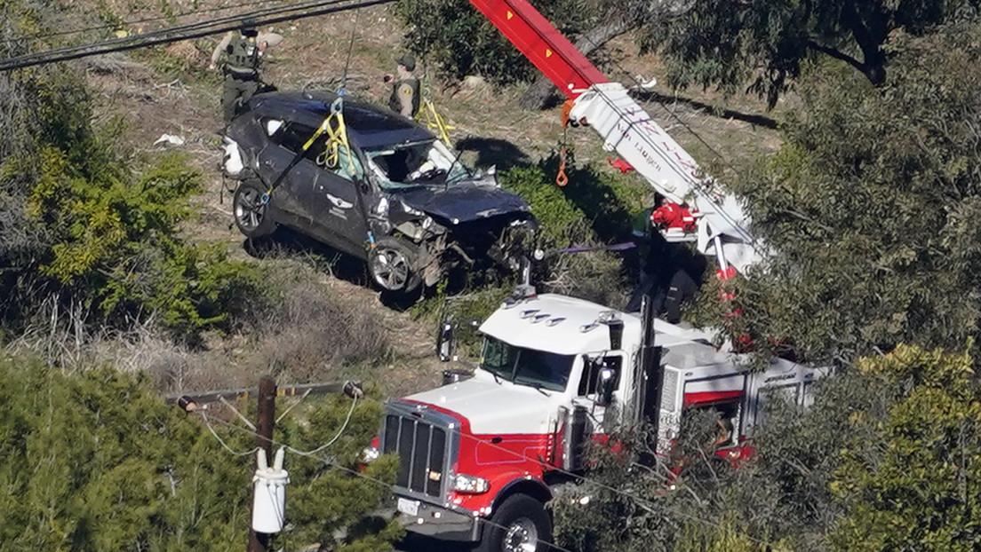 Tiger Woods despierta tras una extensa cirugía en la pierna por un accidente automovilístico