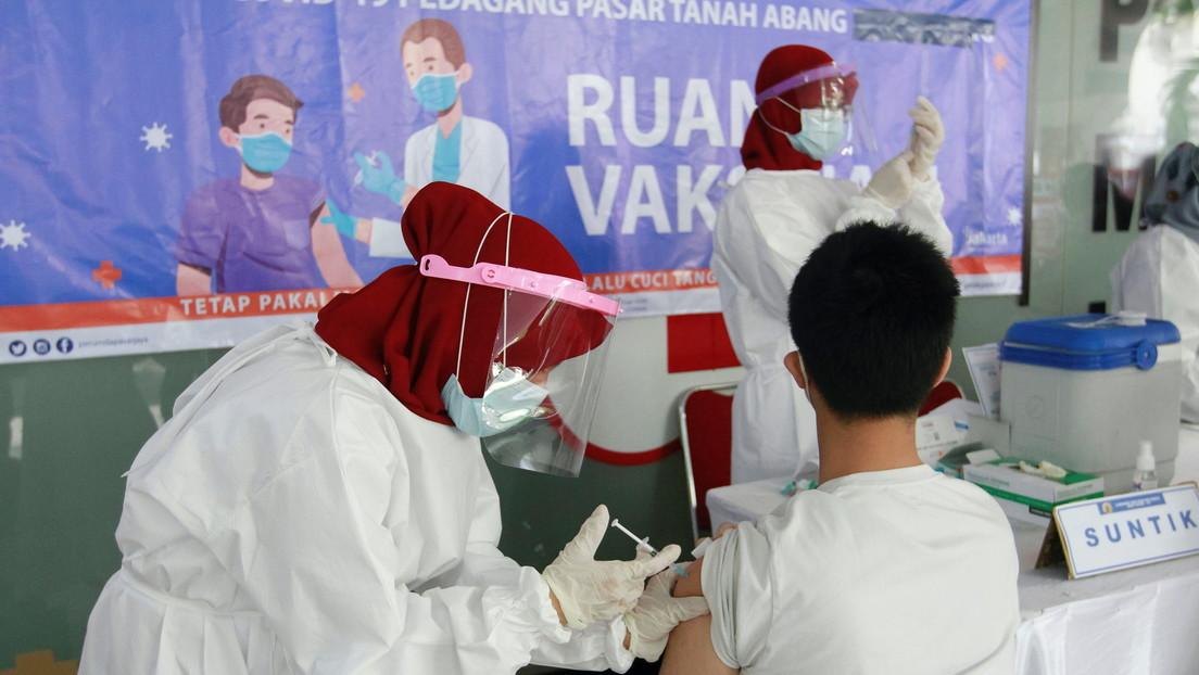 5.000 periodistas indonesios recibirán la vacuna contra el covid-19 en una campaña de vacunación prioriataria