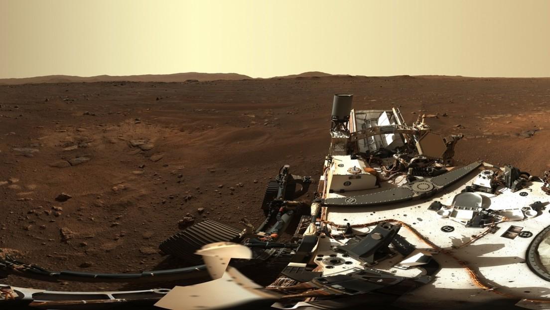 FOTOS: El róver Perseverance capta una panorámica de Marte en alta resolución y el impacto en su etapa de descenso