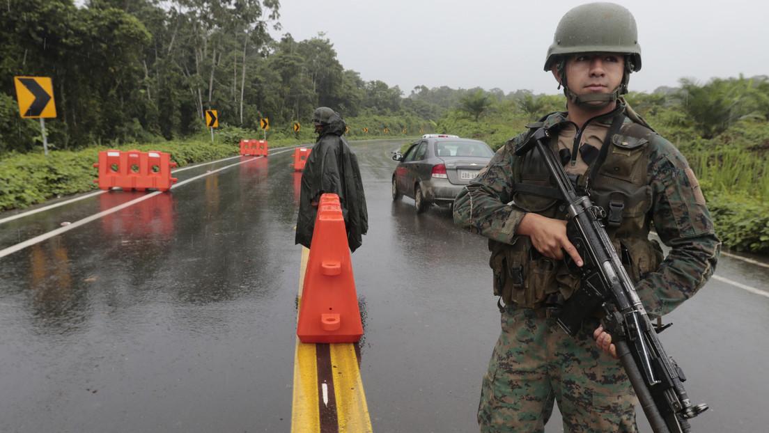Un recluso que descuartizó a unos jóvenes es asesinado del mismo modo en un motín en una cárcel de Ecuador