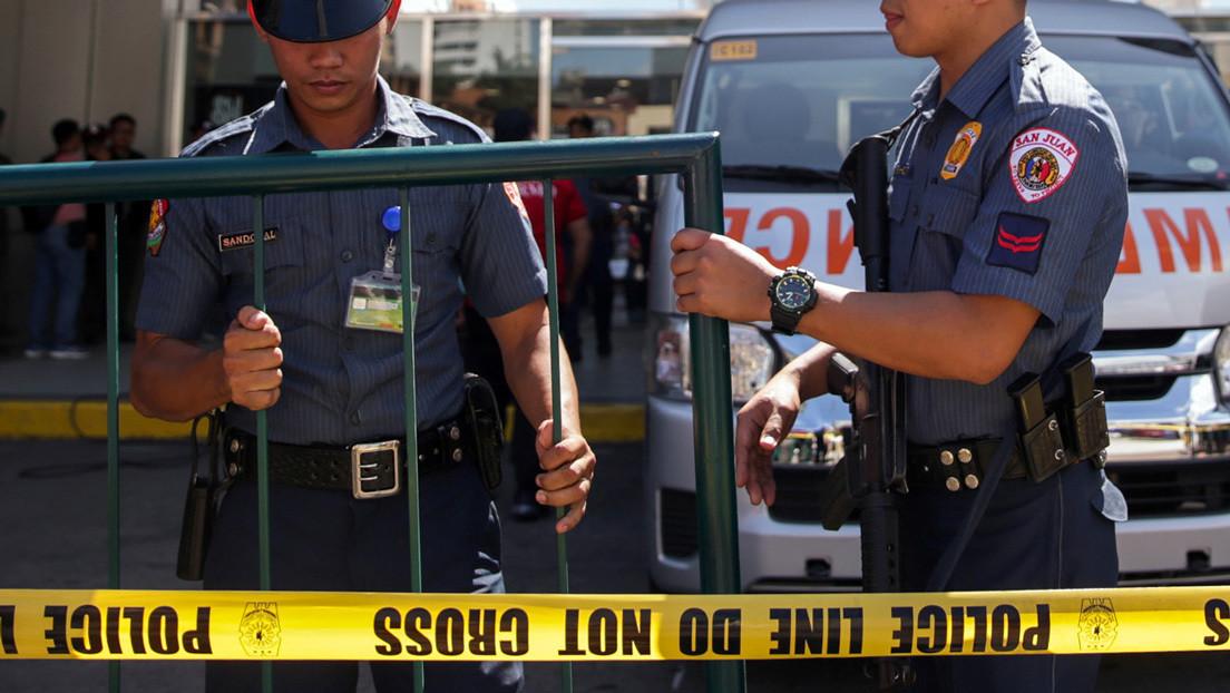 Tres policías y un informante mueren en un tiroteo entre fuerzas de seguridad de Filipinas durante una operación antidrogas