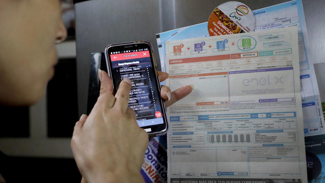 Cómo el sistema ilegal de préstamos 'gota a gota' está afectando a los comerciantes más pobres de Bogotá