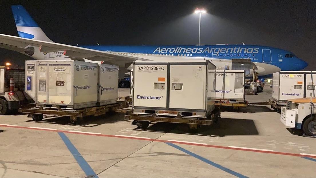 Aterriza en Argentina un avión con 904.000 vacunas de Sinopharm provenientes de China