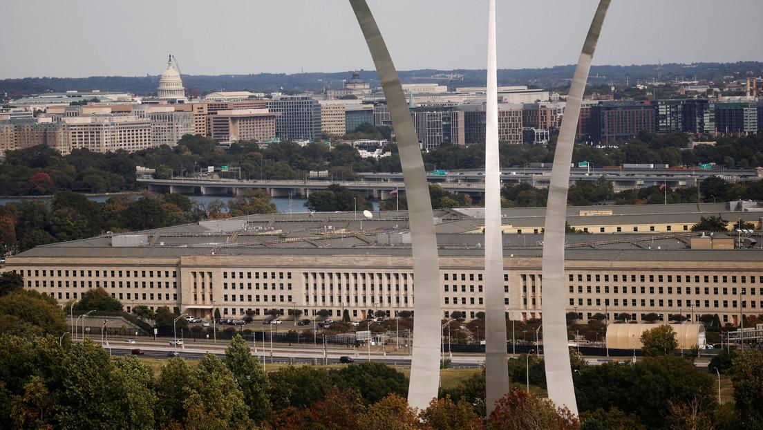El Pentágono confirma que Biden ordenó el ataque contra objetivos de la milicia respaldada por Irán en el este de Siria