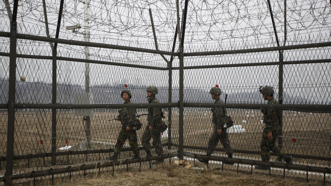Graban a un norcoreano que nadó unas 6 horas con un traje de buceo y aletas para huir a Corea del Sur