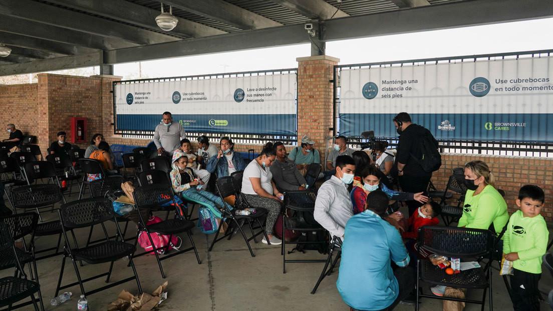 El primer grupo de migrantes varado en México entra a EE.UU. para que un juez evalúe su solicitud de asilo