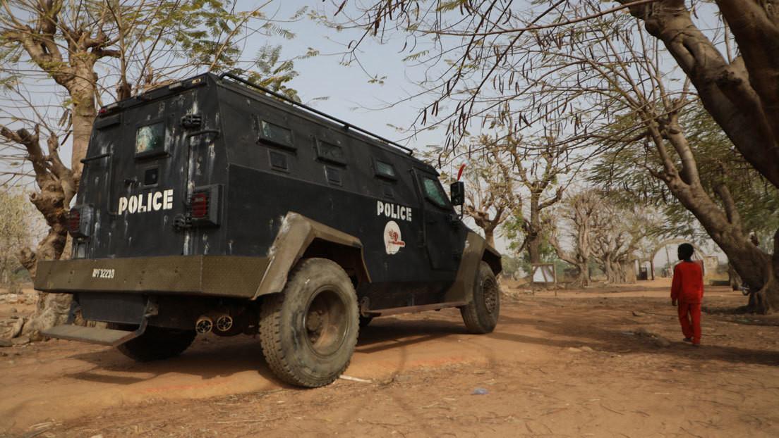 Más de 300 niñas son secuestradas tras el ataque armado en un colegio de Nigeria