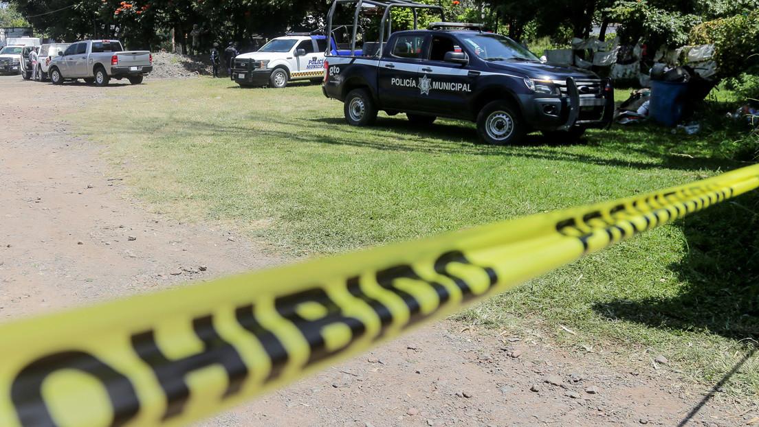 Familias de desaparecidos encuentran fosas con 19 cuerpos en el estado mexicano de Guanajuato y reciben amenazas de la policía tras el hallazgo