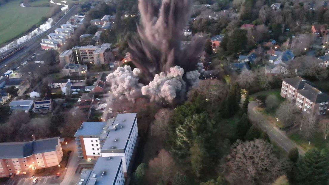 VIDEO: La detonación de una bomba de la Segunda Guerra Mundial provoca daños materiales en una ciudad de Reino Unido