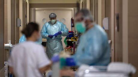 El negocio de la salud en España durante la pandemia: dinero público para la sanidad privada y contratos millonarios a dedo