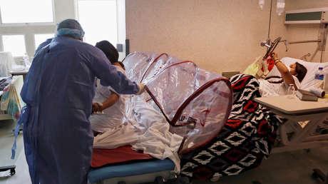 """Autoridades de México investigan el caso de un infectado con una variante del coronavirus que es """"similar"""" a la cepa brasileña"""
