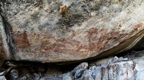 FOTOS: Descubren en Tanzania pinturas rupestres con desconcertantes figuras antropomorfas con grandes cabezas de animal