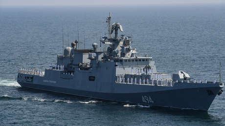 Buques de guerra rusos finalizan su participación en el ejercicio naval multinacional AMAN-2021