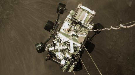 La NASA publica primeras imágenes en color del róver Perseverance aterrizando en Marte