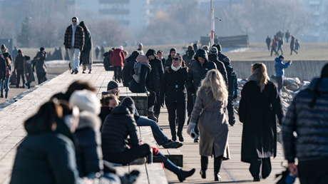Suecia anuncia que reforzará medidas para frenar la nueva ola de infecciones por covid-19
