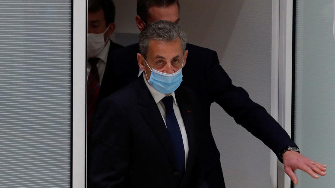 Condenan al expresidente francés Nicolas Sarkozy a un año de prisión y dos en suspensión por corrupción