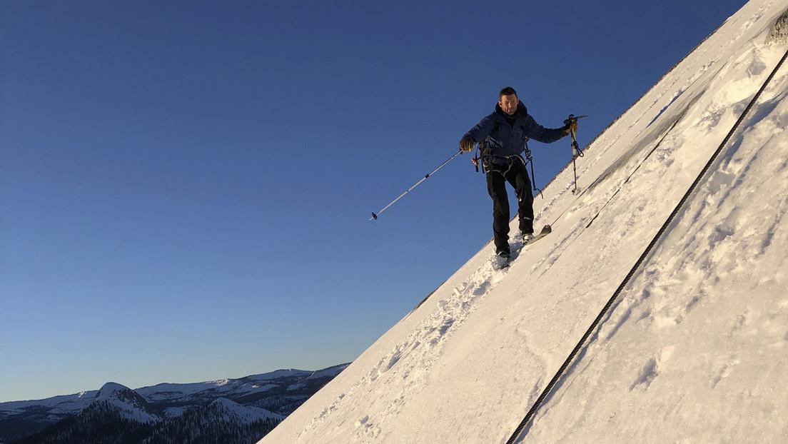 Dos esquiadores desafían a la muerte y se convierten en los primeros en descender el pico más famoso del Parque Yosemite (VIDEO)