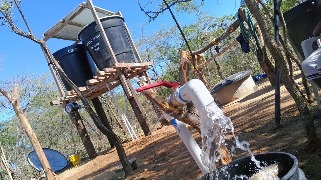 Sistema de bombeo solar automatizado: la premiada iniciativa que provee agua potable a los wayúu en una región con problemas de escasez históricos