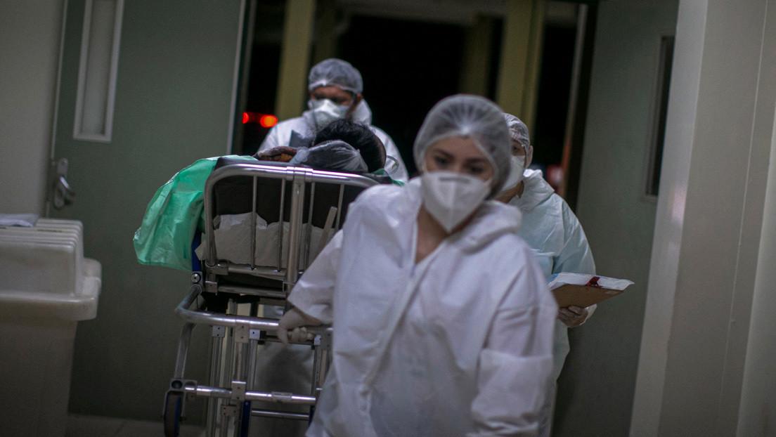 La variante brasileña del coronavirus podría ser el doble de transmisible y contagiar hasta el 61 % de los pacientes recuperados