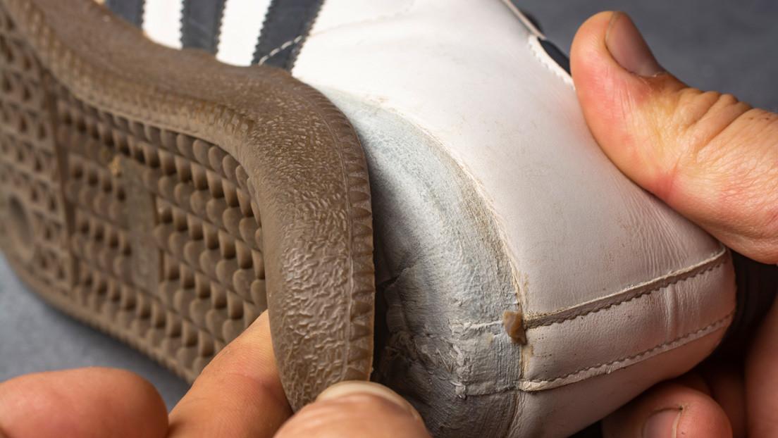 VIDEO: Un 'tiktoker' demuestra cómo se pueden dejar como nuevas unas zapatillas usadas en apenas unos segundos