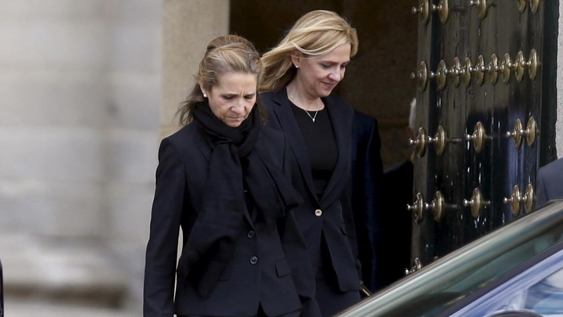 Las hijas del rey Juan Carlos I se vacunan contra el covid-19 durante una visita a Abu Dabi y generan una nueva ola de indignación contra la monarquía