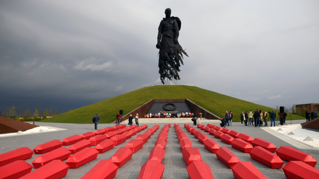 """""""El precio incalculable"""" de salvar al mundo: Asistente presidencial ruso recuerda a las víctimas soviéticas en laII Guerra Mundial"""
