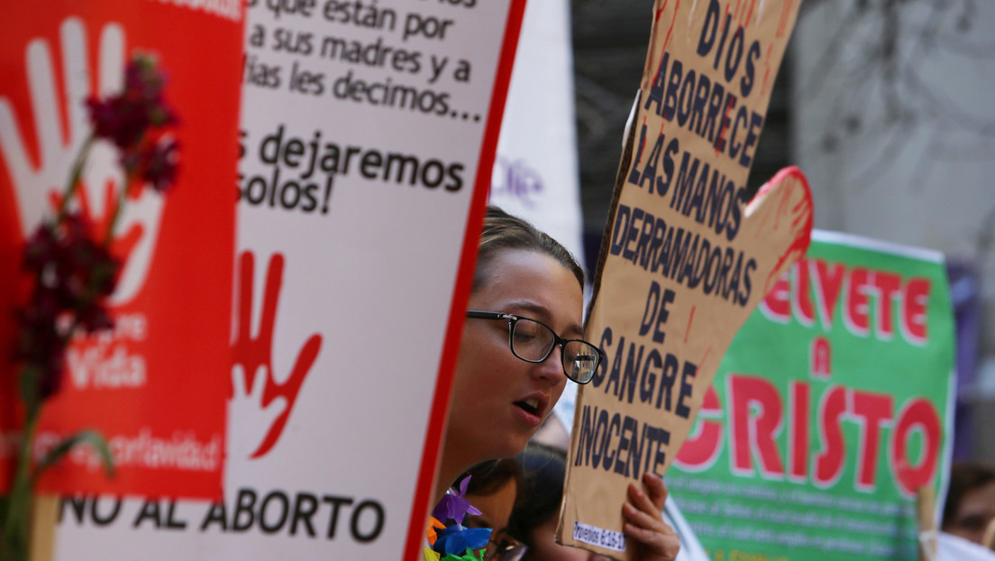 """""""Esta legislación es machista"""": cómo los opositores al aborto en Chile endurecen el debate para impedir la despenalización"""