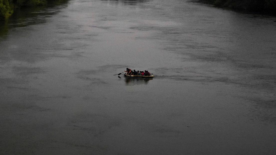 Dos muertos y cuatro desaparecidos en Argentina tras pincharse un bote inflable durante el cruce de un río hacia Bolivia